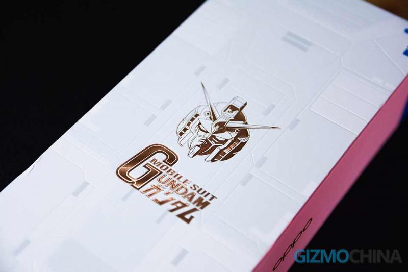Đập hộp OPPO Reno Ace Gundam: Thiết kế đặc biệt, chỉ có 30.000 chiếc