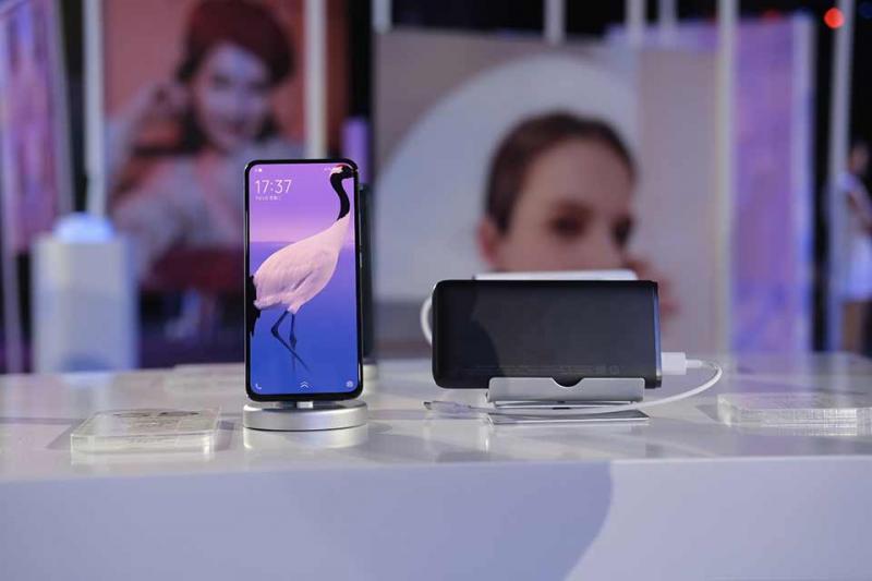 Trên tay Vivo S5: Thiết kế thời trang cùng nhiều tính năng camera độc đáo