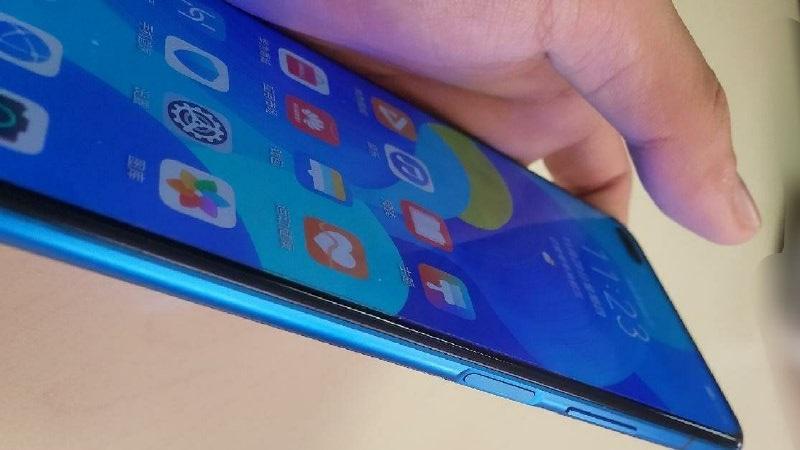 Bất ngờ xuất hiện hình ảnh trên tay Huawei Nova 6 5G ngoài đời thực