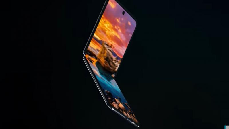 """Chiêm ngưỡng concept Galaxy Fold 2 với thiết kế """"vỏ sò"""" tương tự Motorola Razr"""