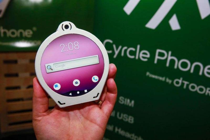 Cyrcle Phone: Thiết kế độc đáo với hình tròn, 2 jack tai nghe, camera 13 MP