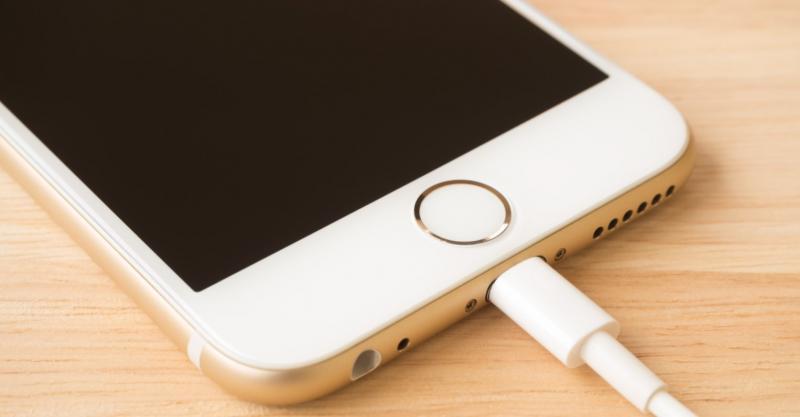Bạn có biết ý nghĩa những tiếng rung hay chuông khi cắm sạc iPhone không?