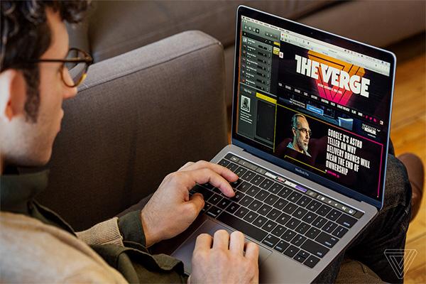 Máy tính Macbook của Apple được đánh giá cao về chất lượng, thiết kế