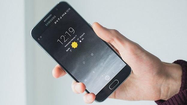"""Smartphone trông """"ngầu"""" hơn với việc cài đặt ứng dụng và widget lên màn hình nền"""