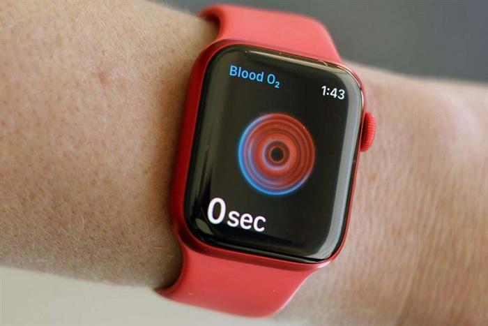 Apple Watch Series 6 là một trong các thiết bị hỗ trợ đo SpO2